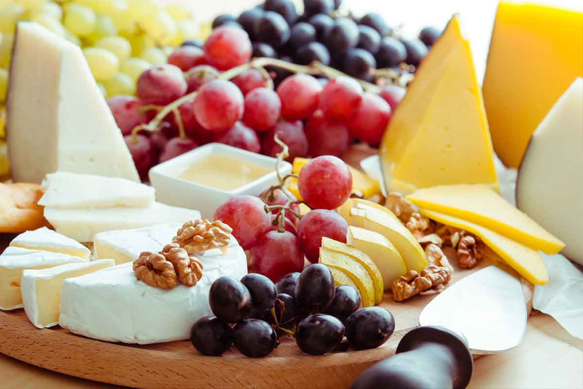 Classic Cheese & Fruit Basket