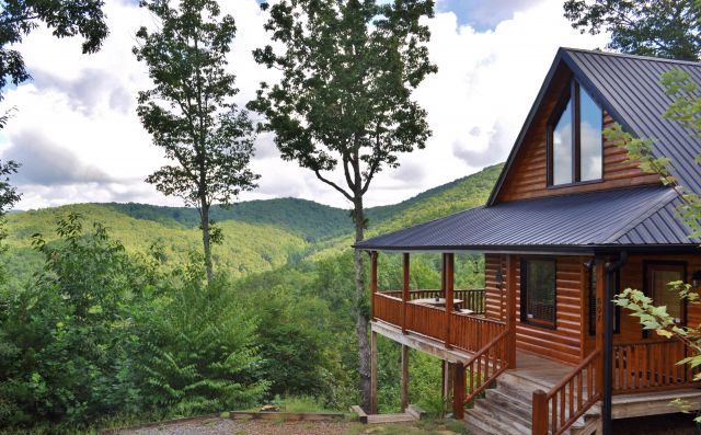 North georgia mountain cabin rentals for Vacation cabins north georgia mountains