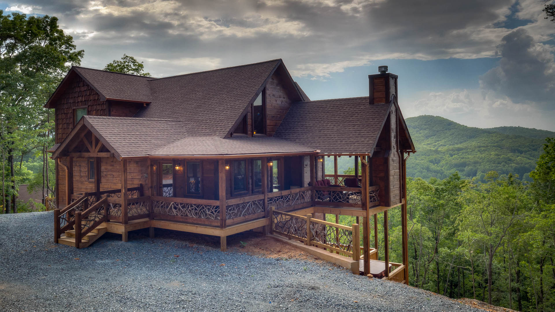 Blue ridge north georgia cabin rentals for Cottage in the mountains
