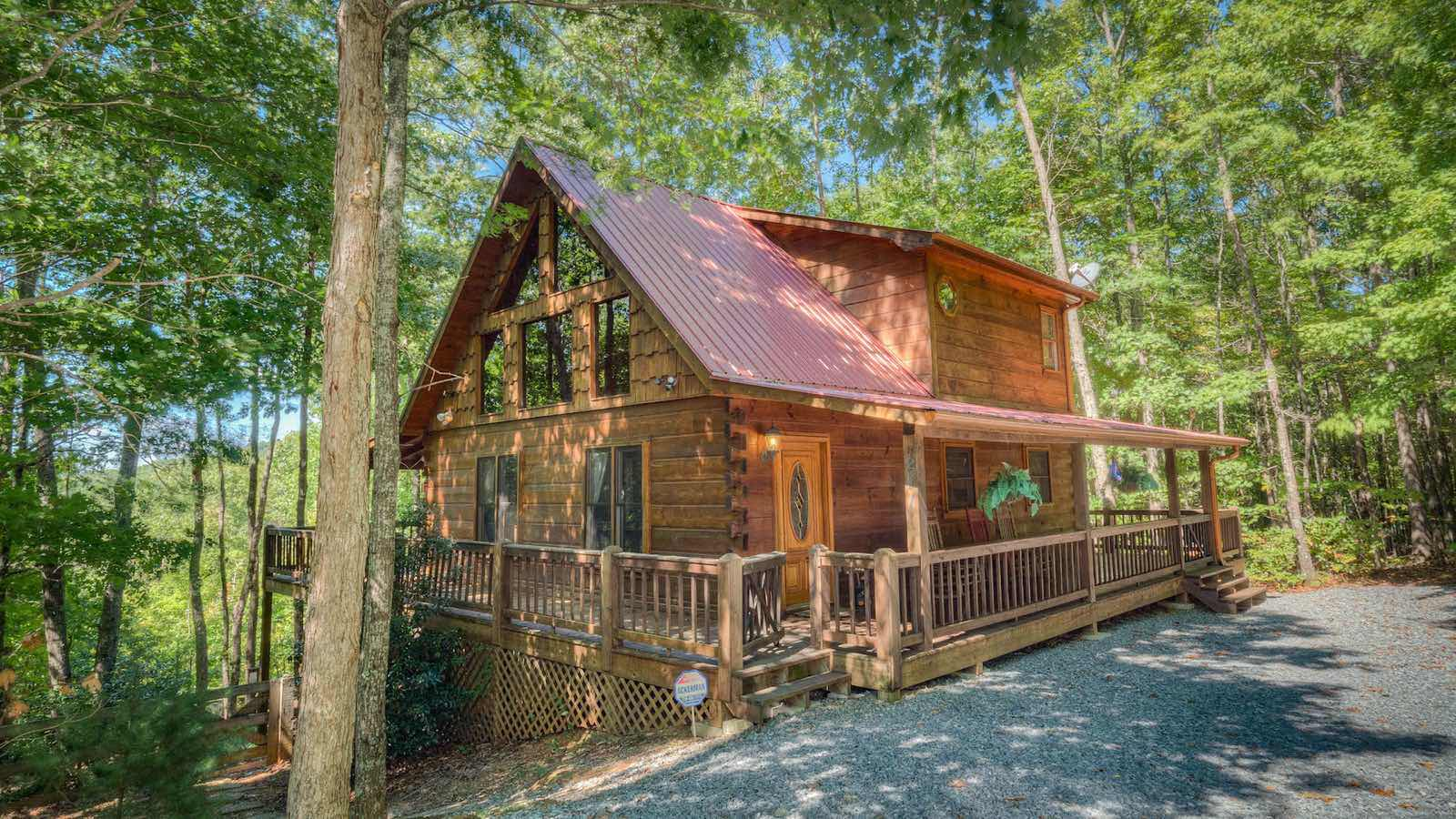 rentals home house waterfront the cabin lake cabins abound with trends georgia in that comfy for vacation luxury by