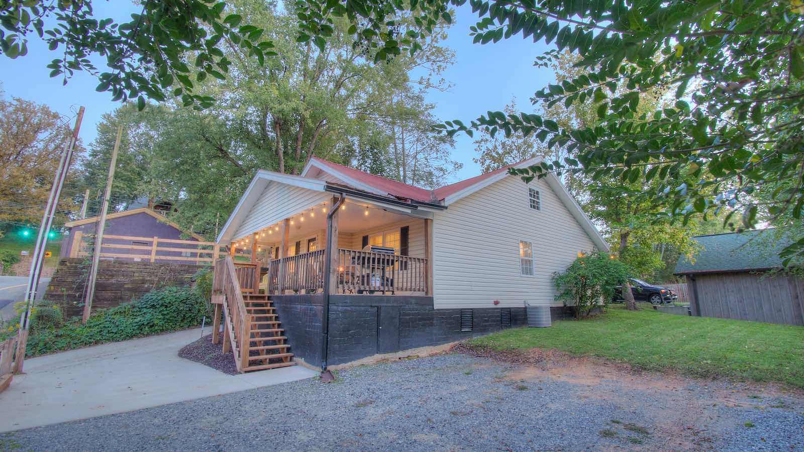 Bungalow 46 Rental Cabin Blue Ridge Ga