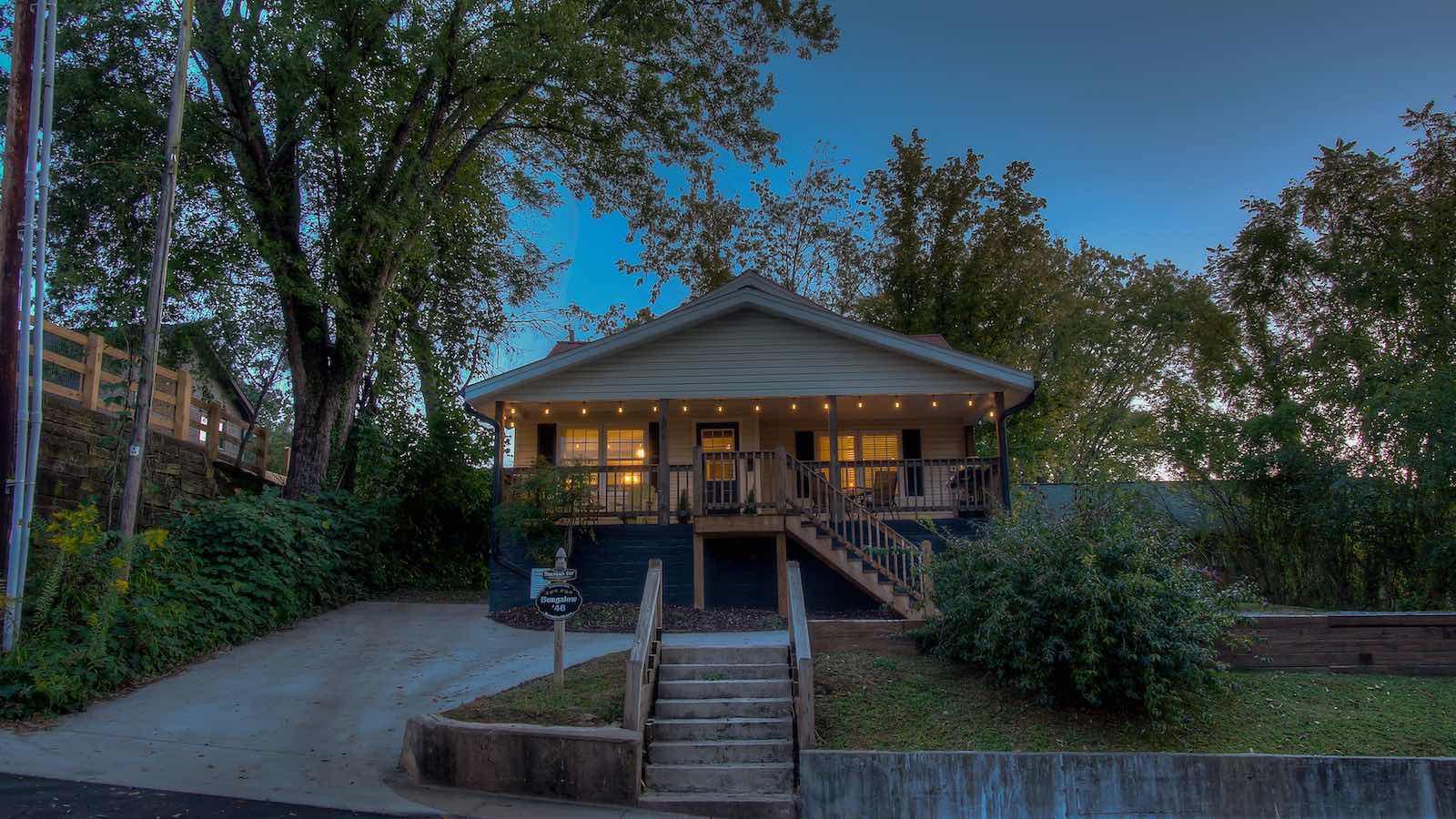 Bungalow Cabin Part - 16: Bungalow U002746 Cabin Rental. « »