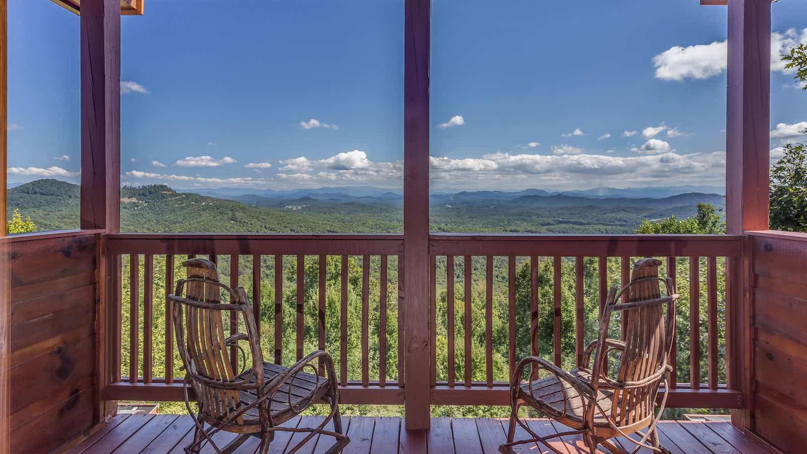 Downtown blue ridge ga lodging accommodations for Blue ridge ga cabins for rent