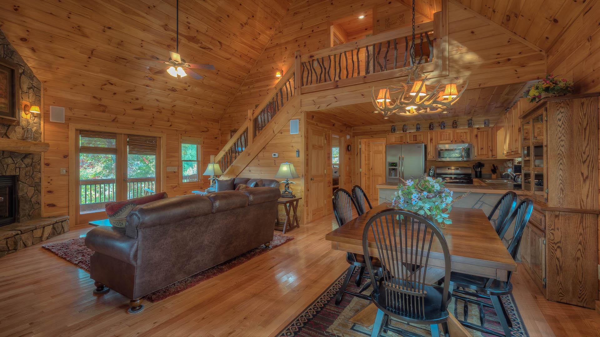Mountain View Lodge Rental Cabin - Blue Ridge, GA