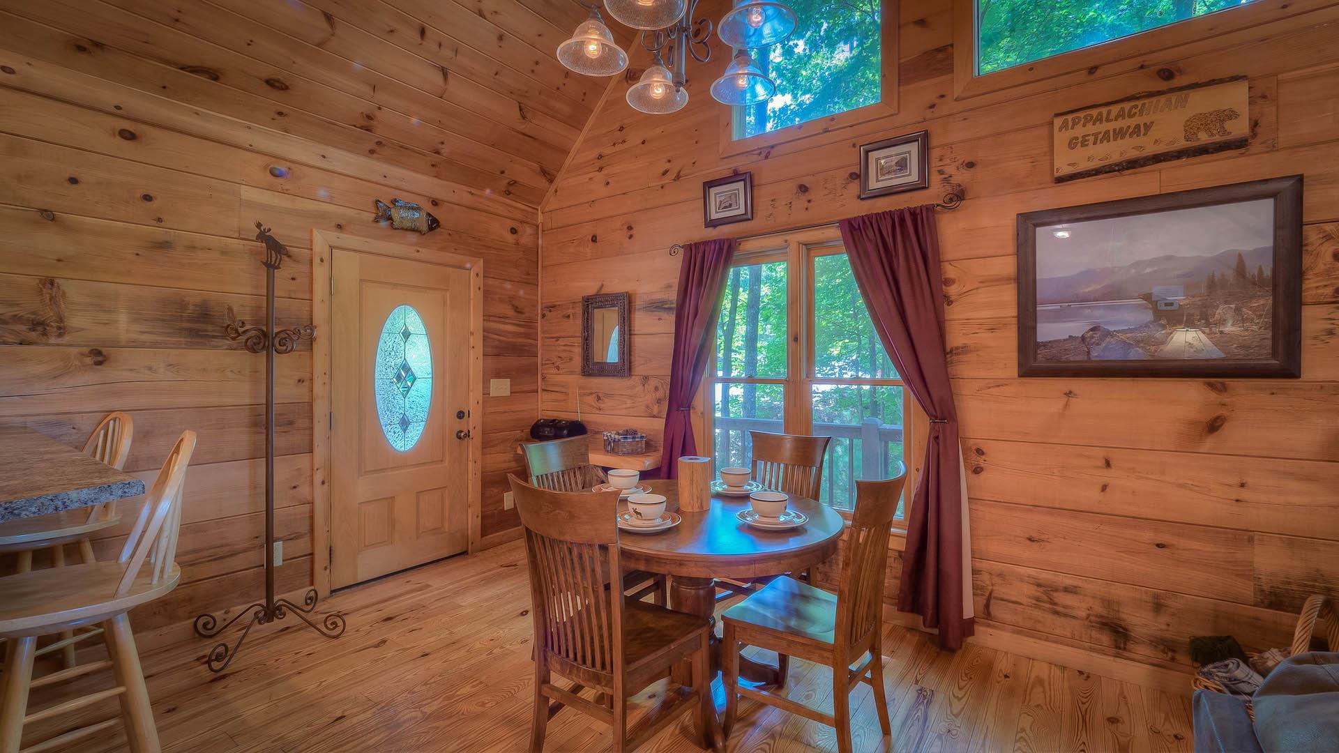 Appalachian Getaway Rental Cabin - Blue Ridge, GA