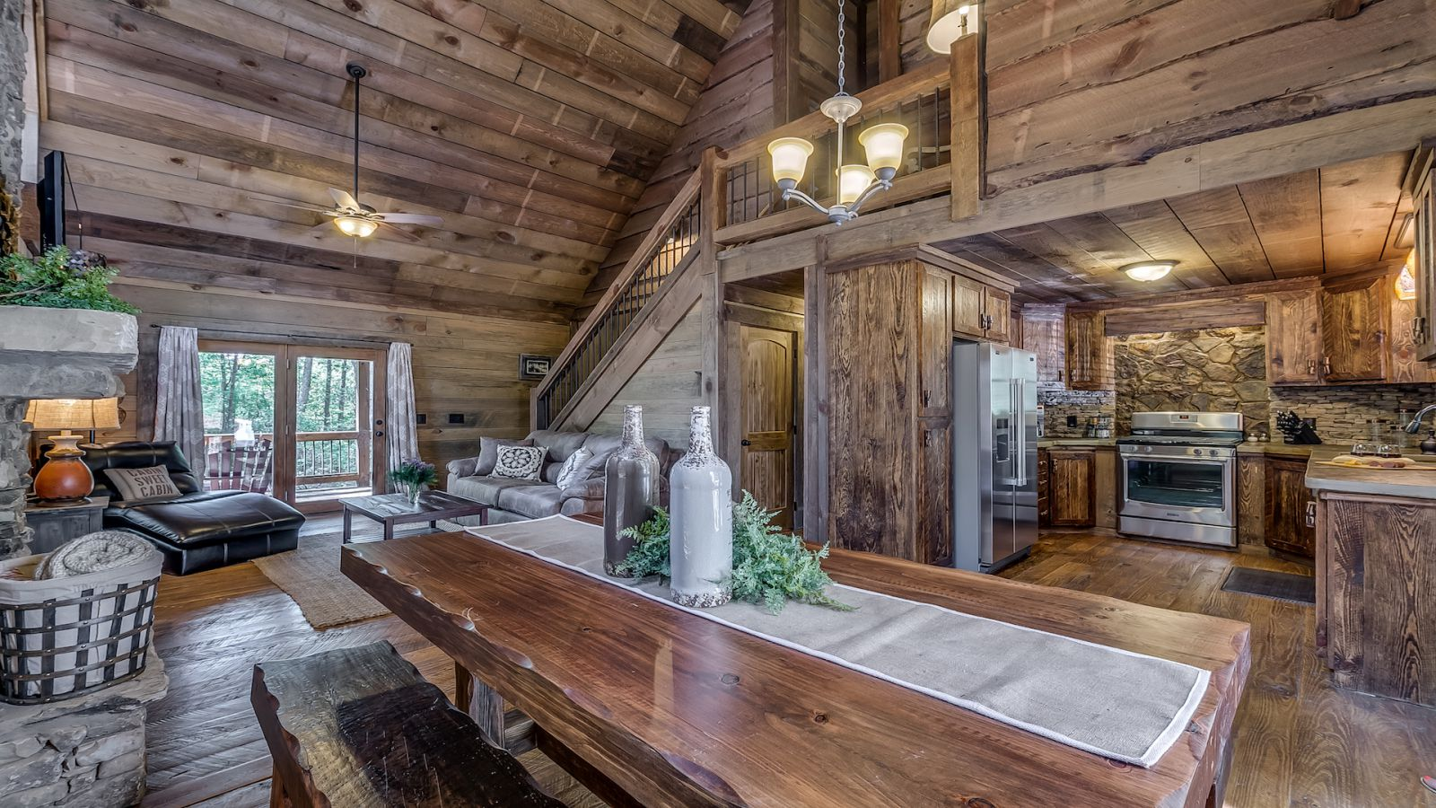 Refined Rustic Rental Cabin - Blue Ridge, GA