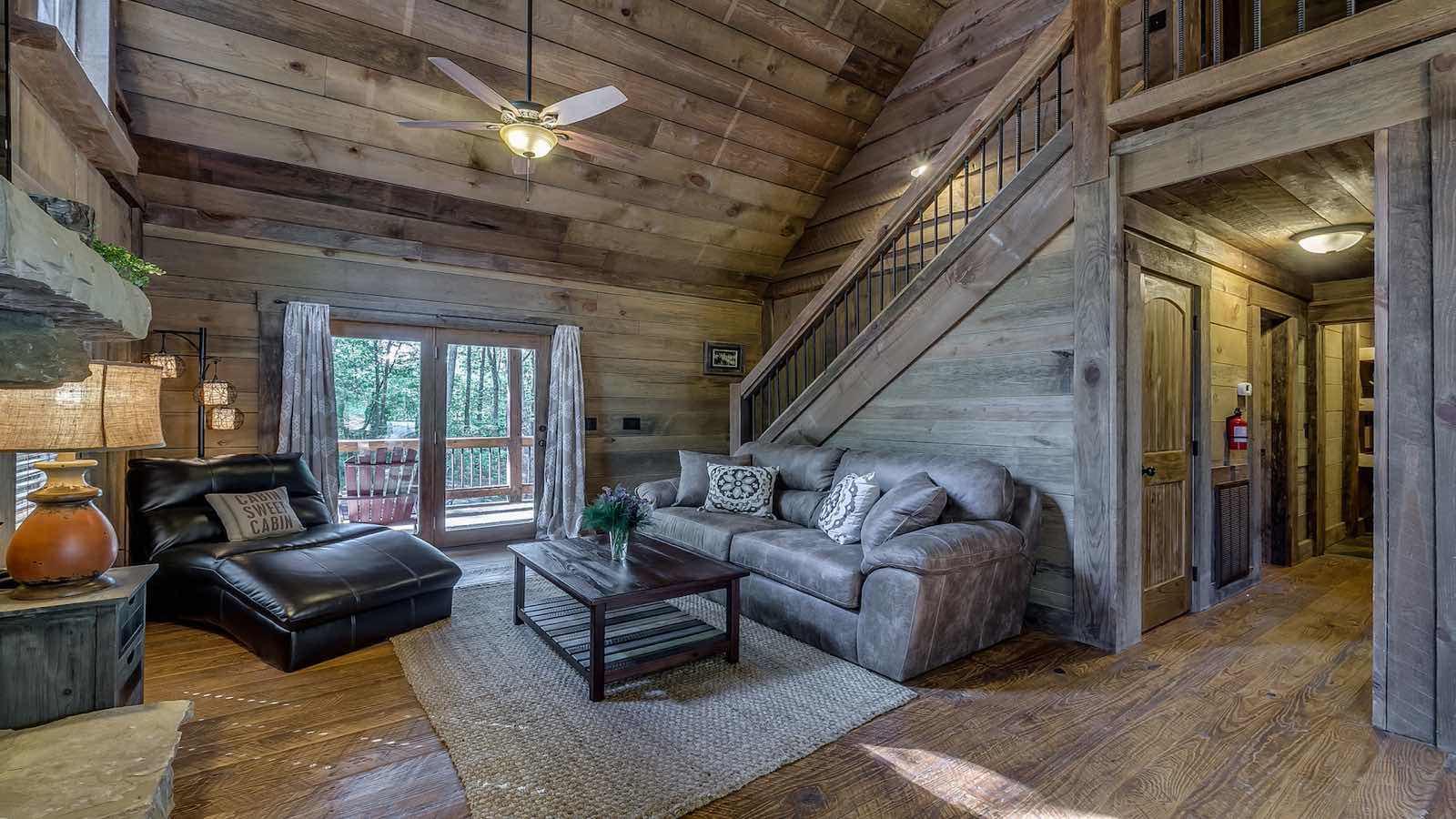 Refined Rustic Rental Cabin - Blue Ridge, GA