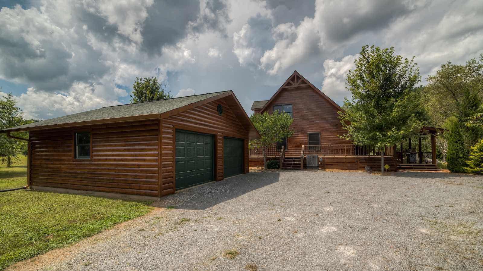 Stone Creek Lodge Rental Cabin - Blue Ridge, GA